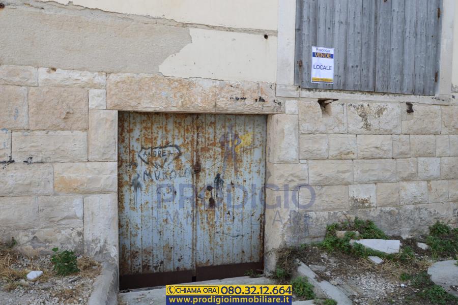 Ampio locale commerciale in vendita a Molfetta - Prodigio ...